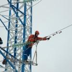 Высотные работы по прокладке кабеля